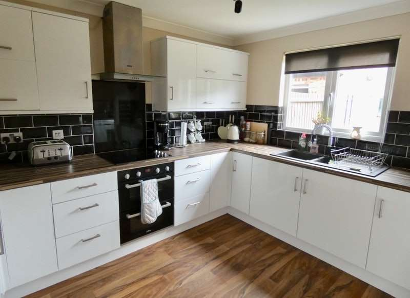 4 Bedrooms Detached House for sale in Lewis Walk, Liverpool, Merseyside, L33