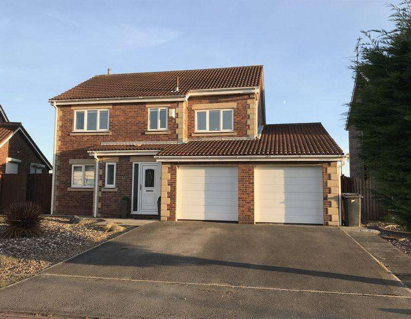 4 Bedrooms Detached House for sale in Pilots Way, Hull
