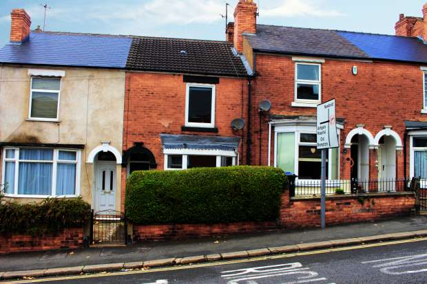 2 Bedrooms Terraced House for sale in Foljambe Road, Sheffield, South Yorkshire, S40 1NJ