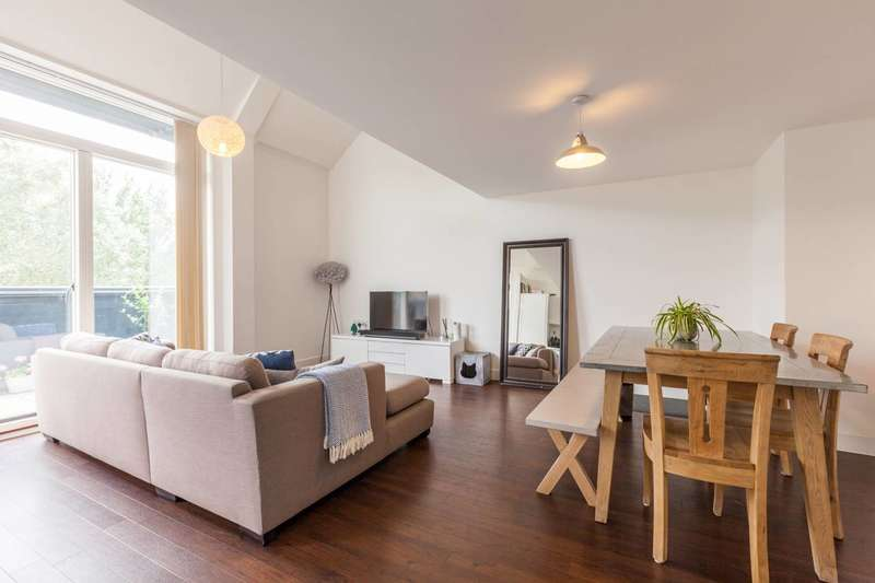 2 Bedrooms Flat for sale in Milles Square, Brixton, SW9