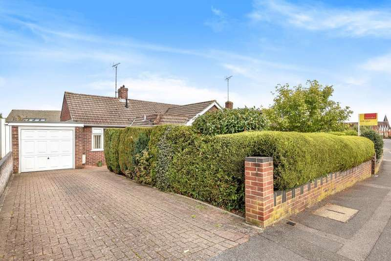 2 Bedrooms Detached Bungalow for sale in Enborne Road, Newbury, RG14