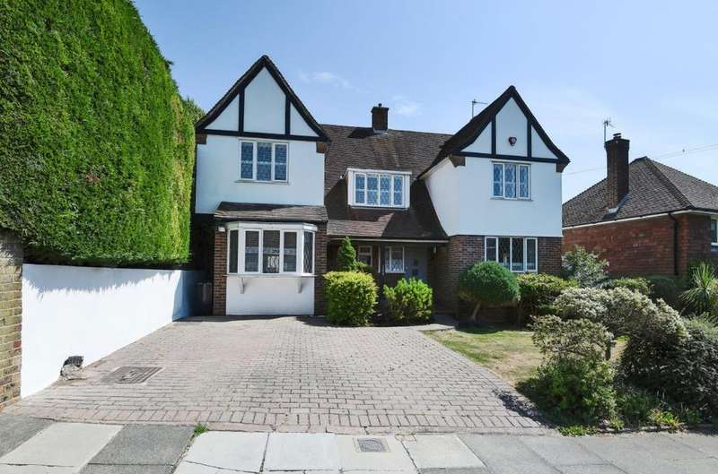 4 Bedrooms Detached House for sale in Valley Drive, Brighton, East Sussex, BN1