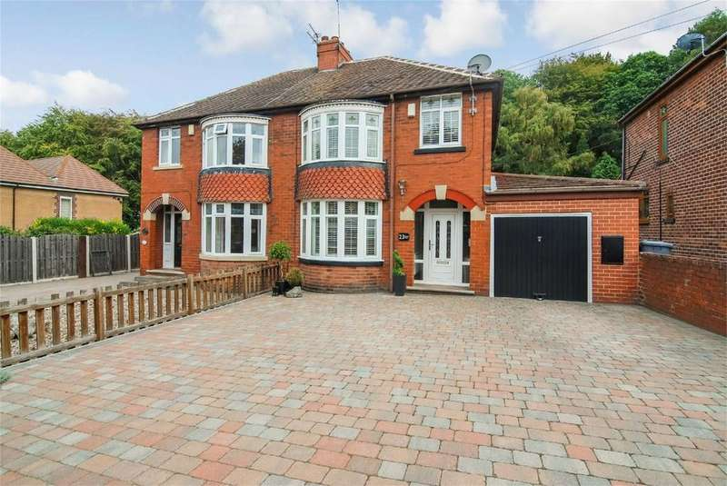 3 Bedrooms Semi Detached House for sale in Wood Walk, Wombwell, BARNSLEY, South Yorkshire