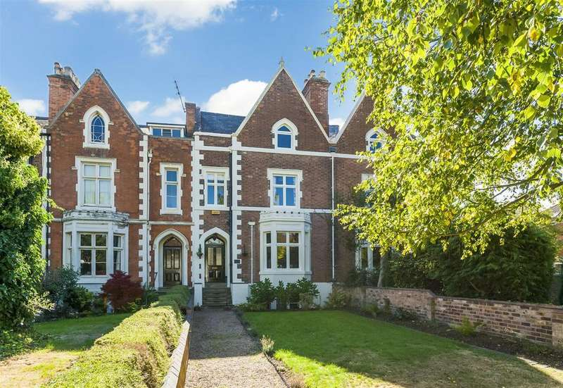5 Bedrooms Town House for sale in Coten End, Warwick