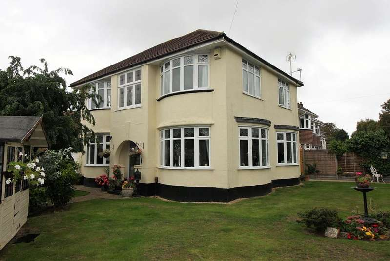 4 Bedrooms Detached House for sale in Boscombe East, Bournemouth BH7