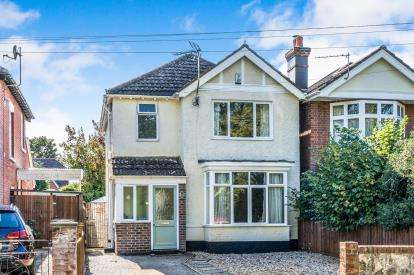 3 Bedrooms Detached House for sale in Shirley, Southampton, Hampshire