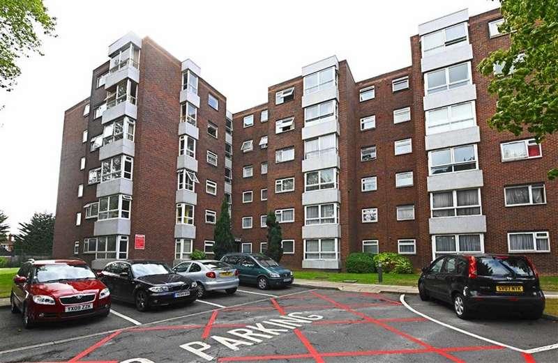 3 Bedrooms Flat for sale in Brampton Grove, Hendon, London