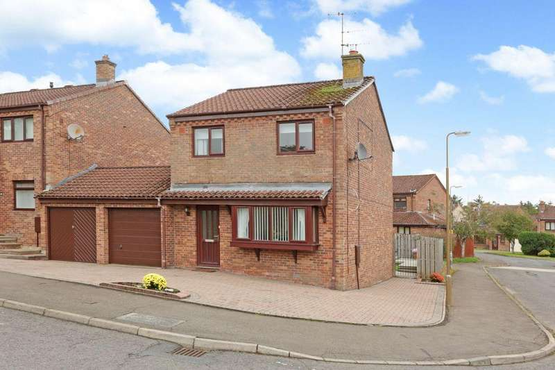 3 Bedrooms Detached House for sale in 7 Rullion Green Avenue, PENICUIK, EH26 0RT
