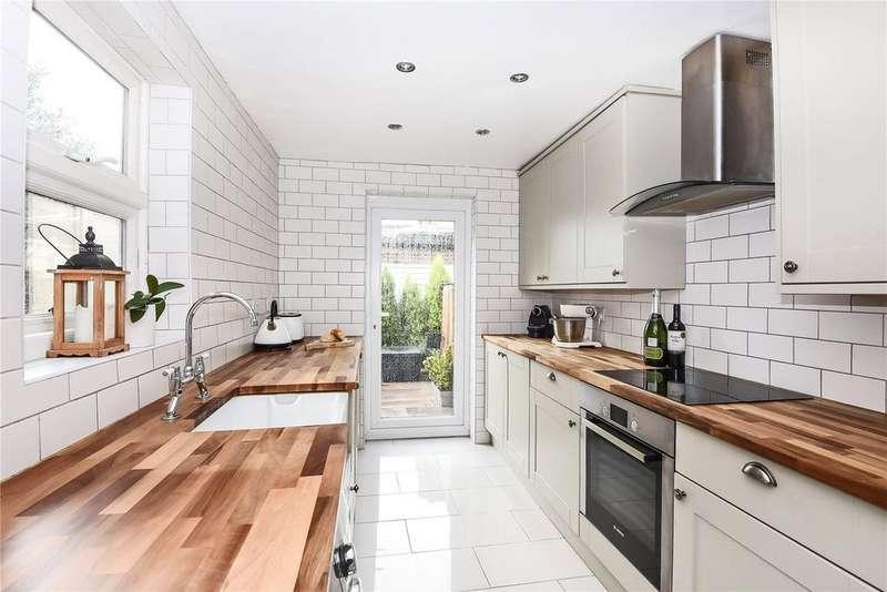 2 Bedrooms Terraced House for sale in Bourne Avenue, Windsor, Berkshire, SL4