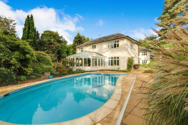 6 Bedrooms Detached House for sale in Cobham, Surrey