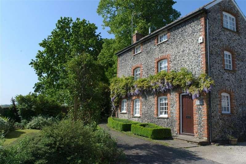 3 Bedrooms Detached House for sale in Church Walk, Littlebury, Nr Saffron Walden, Essex, CB11