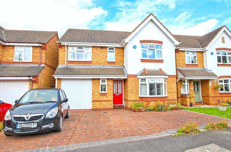 4 Bedrooms Detached House for sale in Grayling Close, Wednesbury