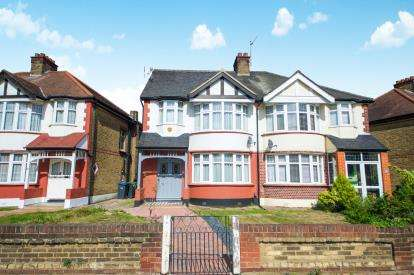4 Bedrooms Semi Detached House for sale in Bury Street West, London