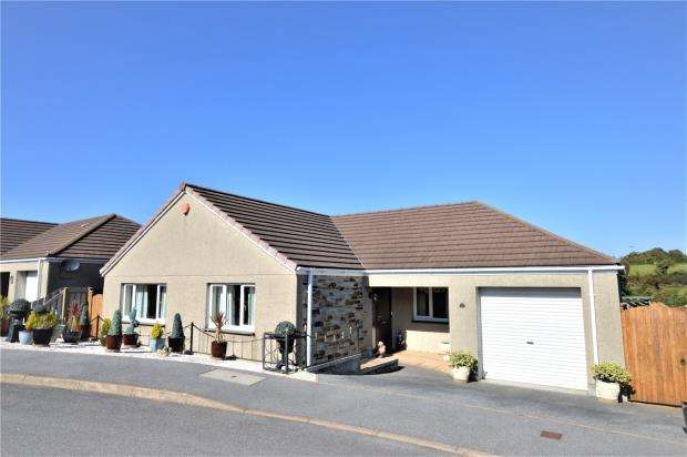 3 Bedrooms Detached Bungalow for sale in Crembling Well, Barncoose, Redruth, Cornwall
