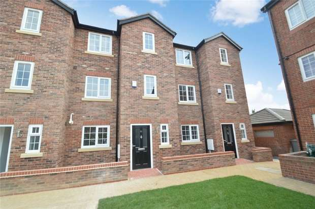 4 Bedrooms Town House for sale in Marland Way, Stretford, Manchester