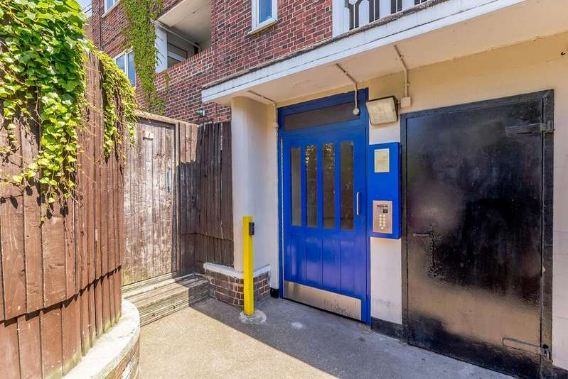 3 Bedrooms Flat for sale in Thornaby House, Canrobert Street, London E2