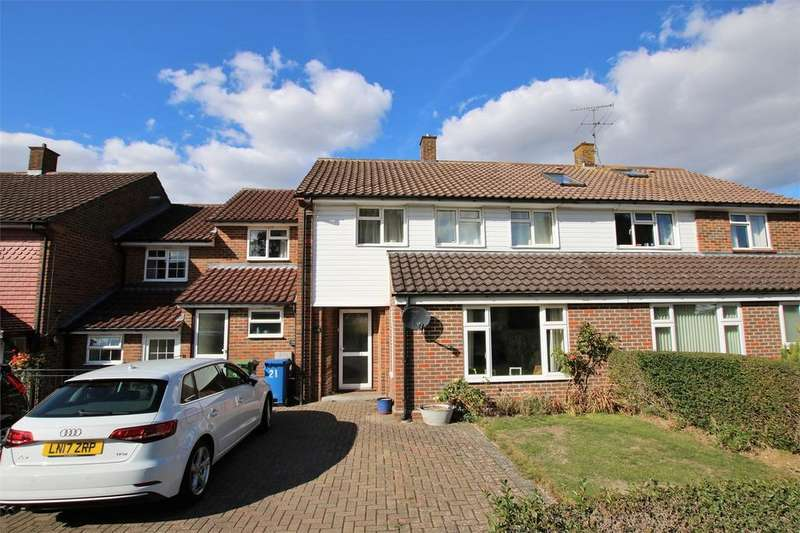 4 Bedrooms Terraced House for sale in 21 Makepiece Road, BRACKNELL, Berkshire
