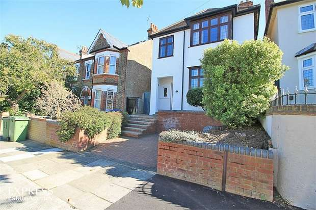 3 Bedrooms Detached House for sale in Cleanthus Road, London