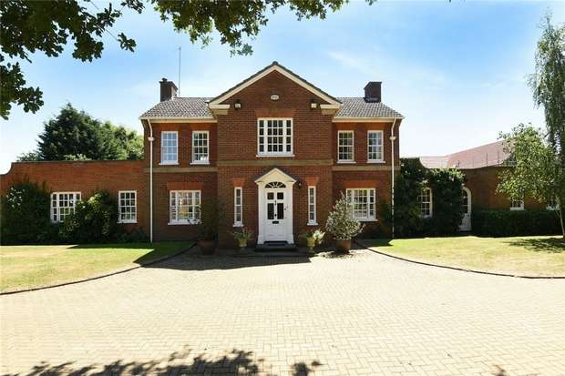 5 Bedrooms Detached House for sale in Cople Road, Cardington, Bedford