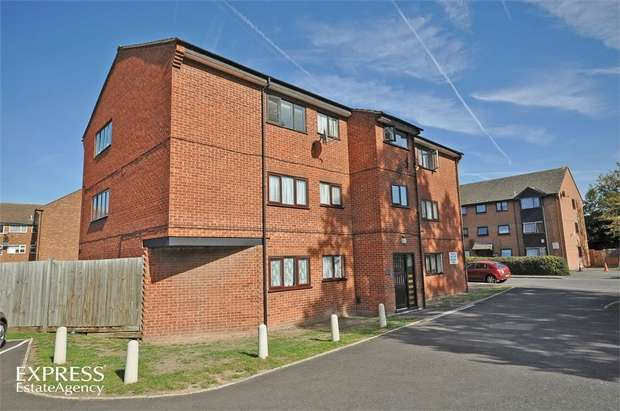 2 Bedrooms Flat for sale in Thirkleby Close, Slough, Berkshire