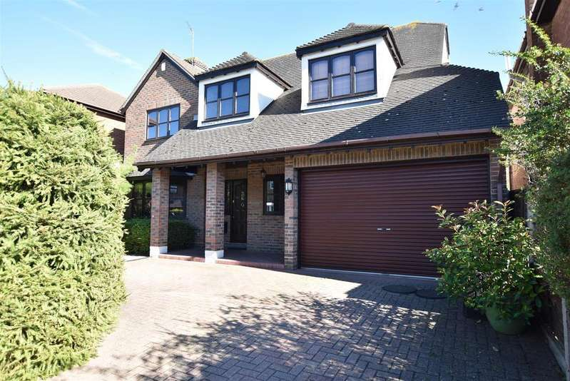5 Bedrooms Detached House for sale in Benfleet
