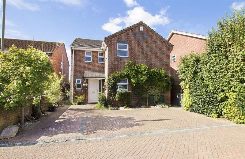 3 Bedrooms Detached House for sale in Thetford Road, Gosport, Hampshire