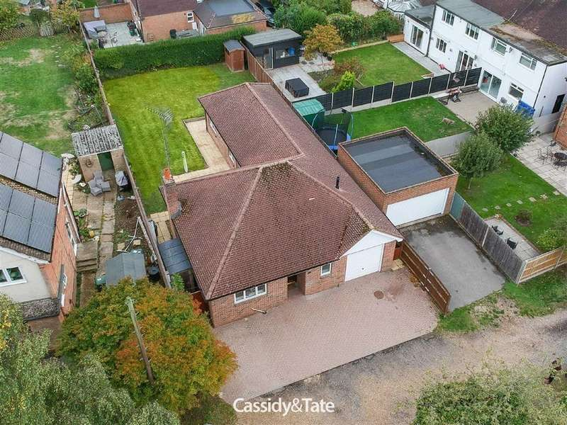 3 Bedrooms Bungalow for sale in St Albans Road, St Albans, Hertfordshire