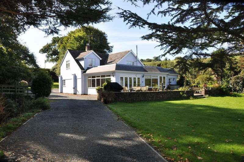 4 Bedrooms Detached House for sale in Rosedown, Hartland, Bideford