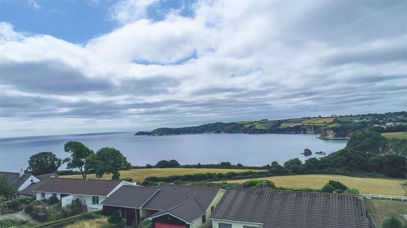 4 Bedrooms Detached House for sale in Sea Road, Carlyon Bay, St Austell
