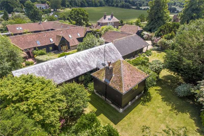 3 Bedrooms Detached House for sale in Stocks Farm Barns, Stocks Road, Aldbury, Tring, HP23