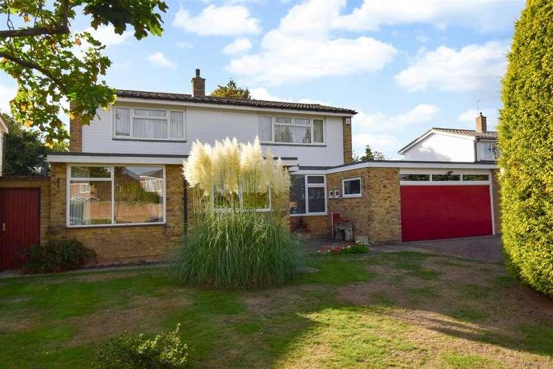 3 Bedrooms Detached House for sale in Redwood, Burnham, SL1