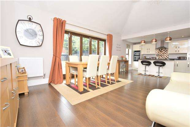 5 Bedrooms Semi Detached House for sale in North Street, Oldland Common, BS30 8TT