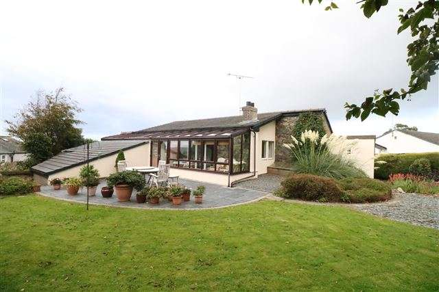 4 Bedrooms Detached House for sale in Mockerkin , Cockermouth, Cumbria, CA13 0ST