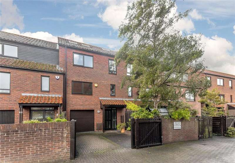 4 Bedrooms Terraced House for sale in Rownham Mead, Bristol, BS8