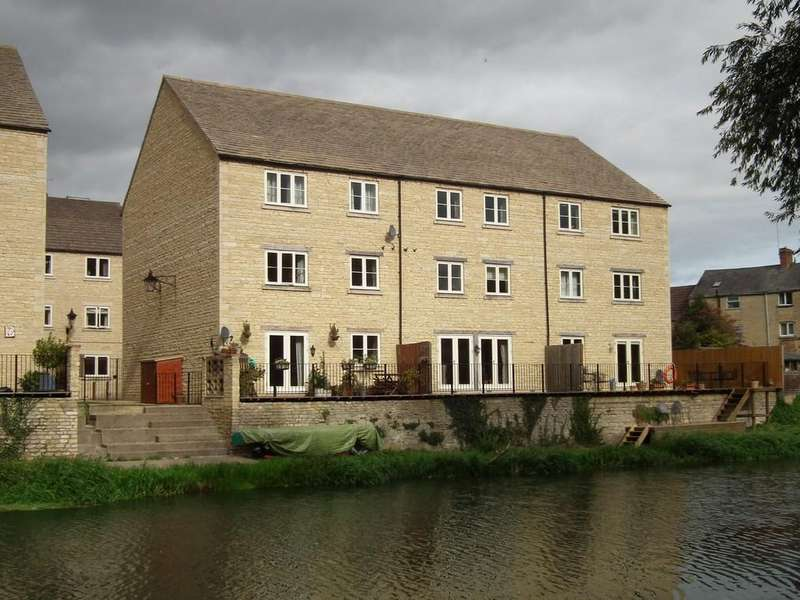 2 Bedrooms Apartment Flat for sale in Riverside, Stamford