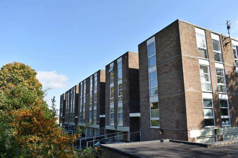 2 Bedrooms Flat for sale in Leigh Woods