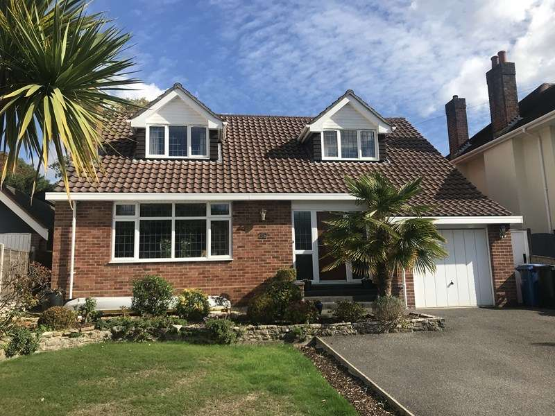 4 Bedrooms Chalet House for sale in Harbour View Road, Lower Parkstone, Poole