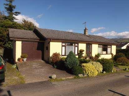 3 Bedrooms Bungalow for sale in Penmaen, Ynys, Talsarnau, Gwynedd, LL47