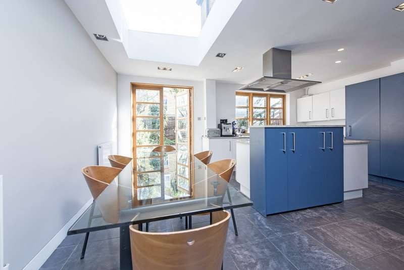4 Bedrooms Terraced House for sale in Belleville Road, London SW11