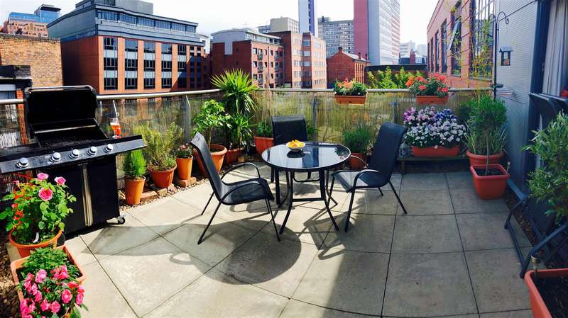 2 Bedrooms Penthouse Flat for sale in St Paul's Square, Birmingham