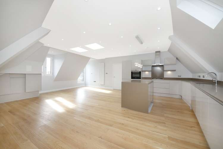 2 Bedrooms Flat for sale in East Dulwich Grove Dulwich SE22