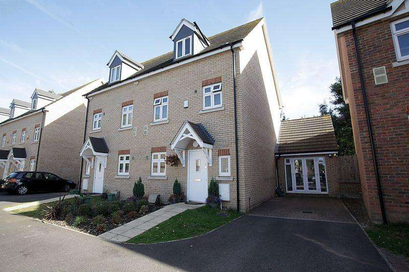 4 Bedrooms Semi Detached House for sale in *** Challney School Catchment ***