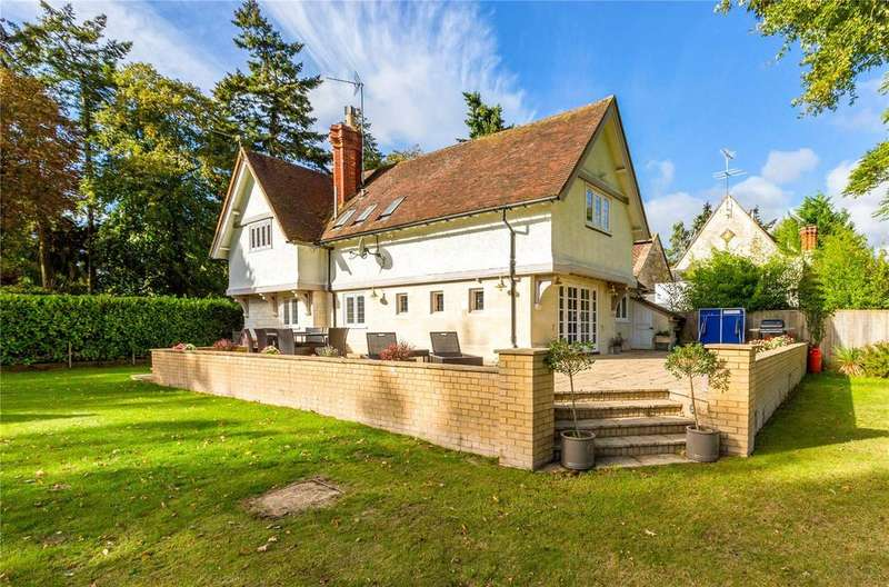 5 Bedrooms Equestrian Facility Character Property for sale in School Lane, Medmenham, Marlow, Buckinghamshire, SL7