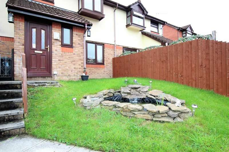4 Bedrooms Semi Detached House for sale in Forest View, Mountain Ash