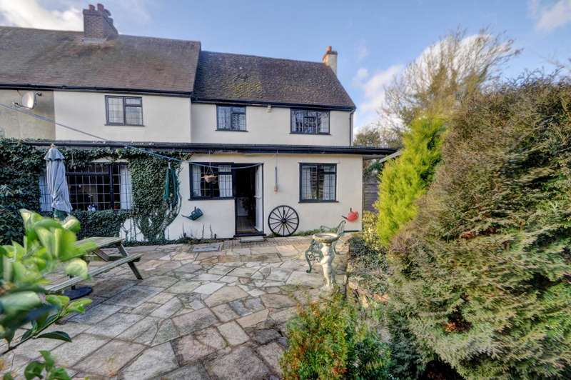 5 Bedrooms Semi Detached House for sale in Owlswick