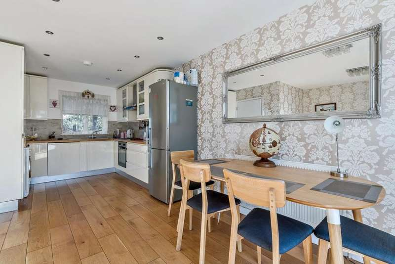 4 Bedrooms End Of Terrace House for sale in Hospital Way, Hither Green