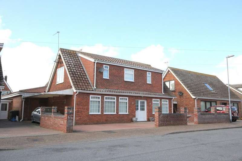 4 Bedrooms Detached House for sale in Chapman Avenue, Caister-on-sea