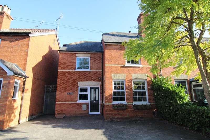 3 Bedrooms Semi Detached House for sale in Waterloo Road, Wokingham, Berkshire, RG40 2JE