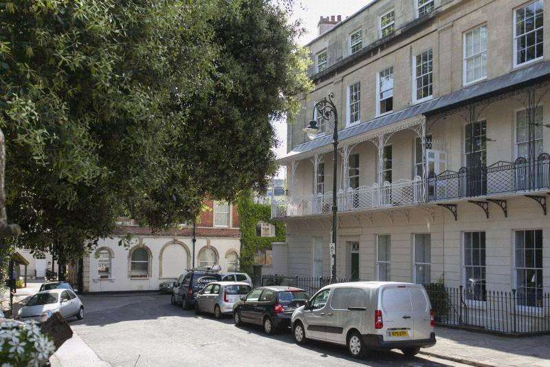 2 Bedrooms Flat for sale in West Mall, Clifton, Bristol, BS8