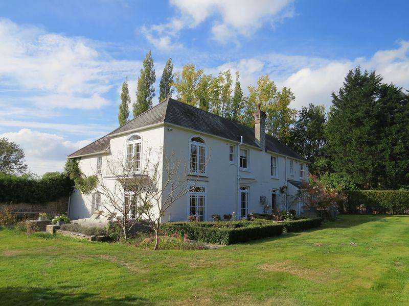5 Bedrooms Village House for sale in Hambledon Road, near Hambledon, Hampshire